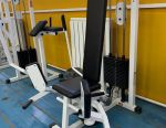 The exercise machine for adducting muscles of a hip
