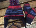 Hat și mănuși pe un fleece pentru un copil de 1-3 ani