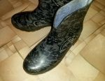 Second-hand rubber boots