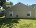 The 3beds, 2baths Single Family Home For Rent.