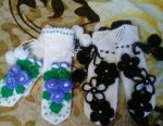I will knit mittens for mom and daughter.