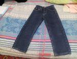 Разные кофточки,джинсы и джинсовка.