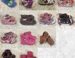 Kız için paket ayakkabılar