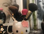 Hello Kitty Glass Stand