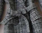 Costum tricotat, sacou și fustă.