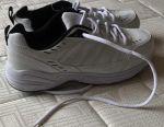 Білий американський взуття