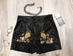 Very stylish shorts with embroidery