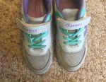 Кросівки дитячі 35 розмір на дівчинку