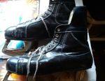 Skates size 43