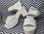 Σανδάλια λευκά παχιά τακούνια 35 Νέο!