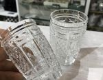 Bir çift kristal gözlük