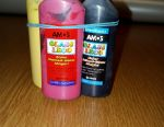 Vintage paints of 8 colors
