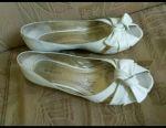 Δερμάτινα παπούτσια και σανδάλια p39 σε ένα φαρδύ πόδι