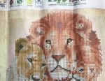 Diamond embroidery mosaic family of lions