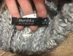 Hat Bershka.