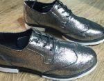 Класні нові туфлі з натуральної шкіри