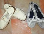 Two pairs of shoes (makasiny) r. 36 give a bunch