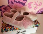 I sell ballet shoes for girls