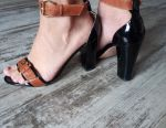 Sandals leather. 38 rr