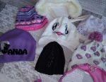 Hats and gloves for boys and girls ..