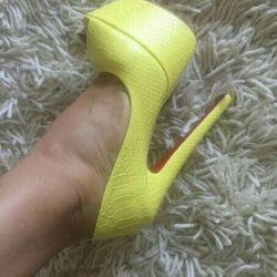 Pantofi 35 noi