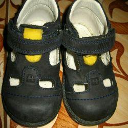 Marka çizme (sandalet) / ayakkabı / Minimen deri