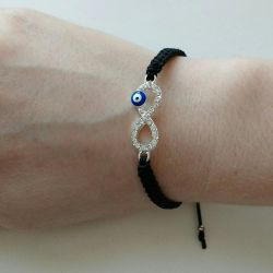 Bracelet infinity against the evil eye