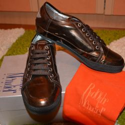 New brand sneakers Italy