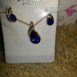 Earrings and pendant