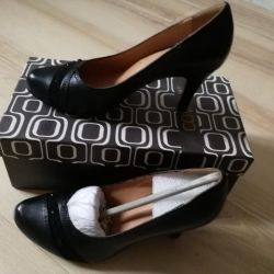 Shoes nat. leather, new, 35 size
