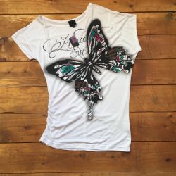 T-shirt with bow tie