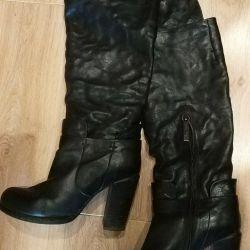 High demi-season / autumn boots