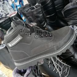 WINTER BOOTS . ECO SKIN. DIMENSIONS IS 44,45,46.