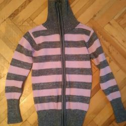 Sweater with zipper