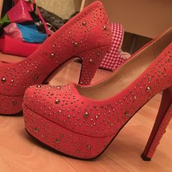 Liici shoes with rhinestones