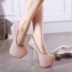 Shoes new on a platform pink with spangles 37r-