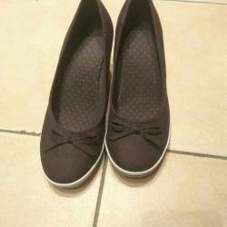 Pantofi noi Wedge