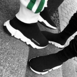 Κάλτσες πάνινα παπούτσια σε στοκ