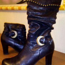 Boots. Natur. leather. Demi-season. Renzoni.