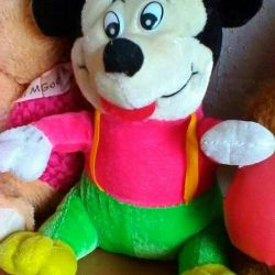 Нова м'яка іграшка - Міккі Маус
