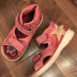 Esso p25 sandals