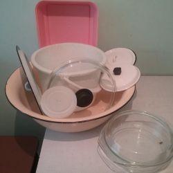 Посуд скляний, емальований, пластмасова