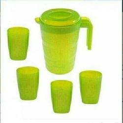 Fazenda water jug (2 L) + 4 cups.
