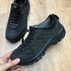 Sneakers 41-46 in stock quality is excellent