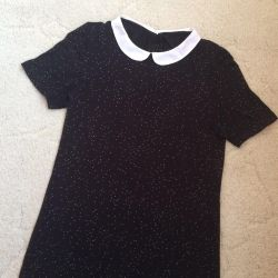 blouse with a collar