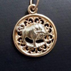 Gold pendant Taurus