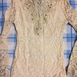 Блузка расшитая бусинами