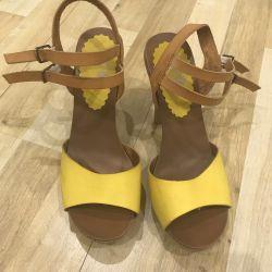 Sandals (exchange is possible)