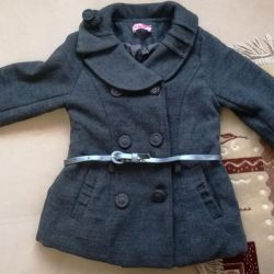 Coat for a girl from 2 to 4 years old