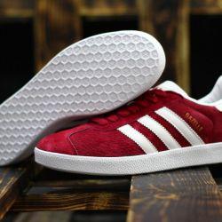 Adidas Gazelle red!